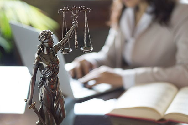criminal law statue-law attorney services